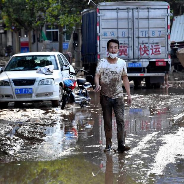 荥阳汜水:洪水刚退,自救行动开始了