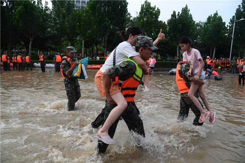 泪目!水陆空联动,阜外医院2400余人大转移
